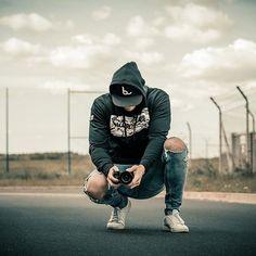 @shootcamp posted to Instagram: Foto von @eulenfieber_photograpy . Du möchtest auch gefeatured werden? Benutze unseren Hashtag #shootcamp. Wir freuen uns auf eure atemberaubenden Bilder! . #inked#menwithtattoos #menwithstreetstyle#menwithclass #jeans #dresden#street #pic #instapost #style #outfit#berlin #inspiration #look #looking2day#fashion #highfashion #mensfahion#hairstyle #fit #fitness #gains#streetlook #leipzig #streetfashionclub#aboutyoumen #MFashiony#newyorkerfashion #fitmodel Men With Street Style, Models, High Fashion, Berlin, Hipster, Instagram, Outfit, Jeans, Fitness