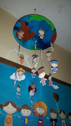 Dünya çocukları 23 nisan Preschool Art Projects, Kindergarten Crafts, Preschool Crafts, Diy And Crafts, Crafts For Kids, Arts And Crafts, Kids Church Rooms, Harmony Day, School Murals