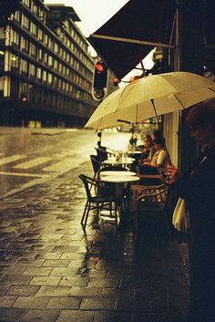 Coffee on a rainy day! Umbrella Art, Under My Umbrella, Walking In The Rain, Singing In The Rain, Rain Photography, Street Photography, Rainy Dayz, Smell Of Rain, I Love Rain
