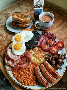 A proud English breakfast. - A proud English breakfast. A proud English breakfast. A proud English breakfast. Welcome to our web - Breakfast Pictures, Breakfast Platter, Breakfast Casserole, Campfire Breakfast, Breakfast Potatoes, Breakfast Burritos, Simply Yummy, English Food, English Lunch