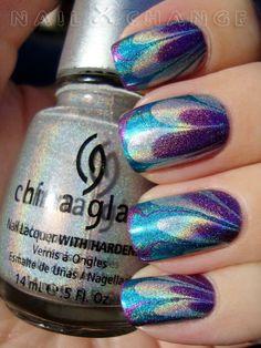 Metallic marble nail design