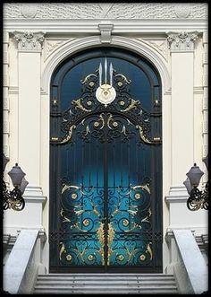 vmburkhardt:  (via Royal Door   Bangkok   Flickr - Photo... by anna.luciaalmeidabarreto.3