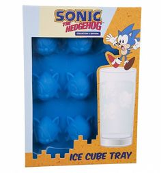 Sonic The Hedgehog Ice Cube Tray : Main<< that picture is funny considering that Sonic can't swim XD