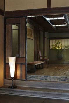 Japanese traditional inn the natural convergence between art deco and Japanese design Japanese Style House, Traditional Japanese House, Japanese Interior Design, Japanese Design, Traditional Interior, Japanese Homes, Japanese Culture, Japanese Living Rooms, Japanese Bathroom