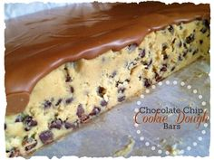 Chocolate Chip Cookie Dough Bars. No bake. Man, why does this have to look so good? I need to eat this!
