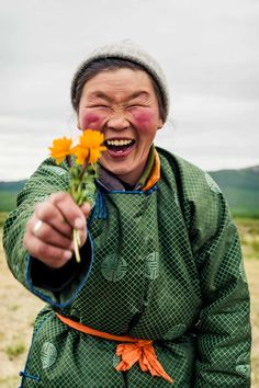 Red Hero 3: Paul Cox Captures Life In Mongolia's Impoverished Suburbs #inspiration #photography