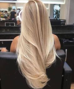 21 Beliebte Haarfarben und Frisuren für hair Related posts: Unique hairstyles for shoulder-length hair Trend to silver hair: 51 cool gray hair colors and tips for it Nice hairstyles for short hair over 50 20 Perfect short hairstyles for straight hair Blonde Hair Looks, Blonde Wig, Long Blond Hair, Blond Hair Colors, Perfect Blonde Hair, Blonde Brunette, Blonde Hair Shades, Brown Blonde, Hair Color Blondes