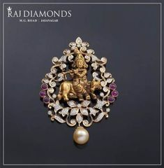 How alluring is this Krishna diamond pendant? An impeccable symbol of culture and tradition. Gold Earrings Designs, Gold Jewellery Design, Handmade Jewellery, Necklace Designs, Jewelry Gifts, Gold Jewelry Simple, Modern Jewelry, Simple Necklace, Silver Jewelry
