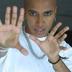 D'Lo is a queer Tamil Sri L.A.nkan-American, political theatre artist/writer, director, comedian and music producer.