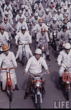 Honda S90, Soichiro Honda, Honda Bikes, Mini Bike, Cars And Motorcycles, Cubs, Yamaha, Old School, History
