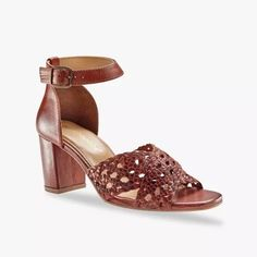 Remienkové sandále na podpätku   blancheporte.sk #blancheporte #blancheporteSK #blancheporte_sk  #shoes #topanky #kozenaobuv #koze Looks Casual Chic, Style Retro, Derby, Heeled Mules, Wedges, Zip, Sandals, Heels, Shopping
