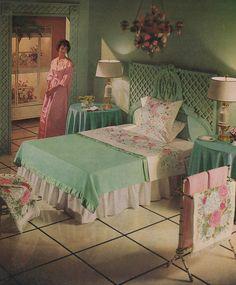 ideas vintage bedroom diy home Retro Room, Vintage Room, Bedroom Vintage, Vintage Decor, Retro Vintage, 1950s Decor, 1950s Bedroom, Retro Bedrooms, Mid Century Bedroom