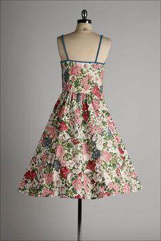 vintage 1950s dress . colorful floral cotton . TONI TODD .