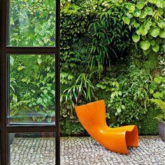 Installer un mur végétal : un tableau luxuriant