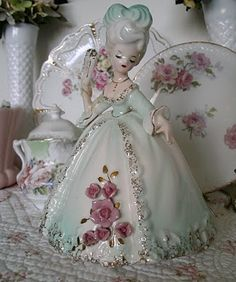Vintage China I had the pleasure of spending yesterday with one of my cousins browsing the antique malls in Stillwater, Minnesota and we both scored some . Vintage Fur, Vintage China, Vintage Ceramic, Vintage Love, Vintage Dolls, Vintage Stuff, Retro Vintage, Romantic Shabby Chic, China Dolls