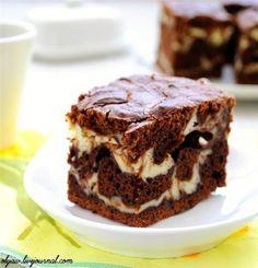Шоколадно-творожный мраморный пирог. Шоколадно-творожный мраморный пирогИнгредиенты:100 гр. сливочного масла125 гр. шоколада (я брала 100 гр+2 ст. ложки какао)125 гр. сахара (я брала 3 ст. ложки)2 яйц…