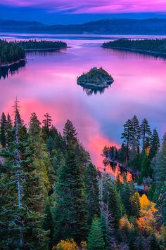 Lake Tahoe, Sierra Nevada, California, USA