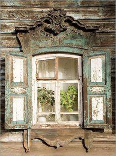 Old Shabby windows Wooden Windows, Old Windows, Windows And Doors, Antique Windows, Vintage Windows, French Windows, Through The Window, Old Doors, Architectural Salvage