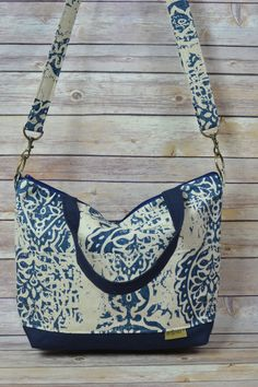Camera Purse & tote Bag / Waxed Canvas / Navy Blue & Natural by DarbyMack