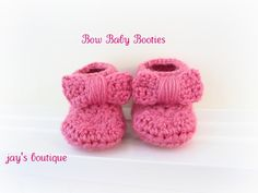 Free Crochet Bow Baby Booties Pattern. free-crochet-baby-booties-patterns