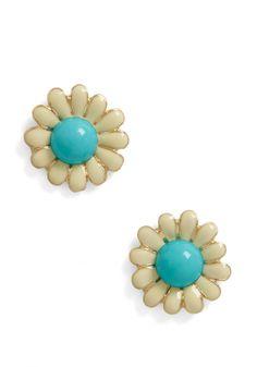 Whoopsie Daisy Earrings | Mod Retro Vintage Earrings | ModCloth.com