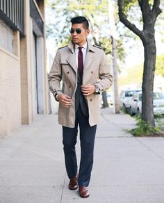 Here it is! For the #GQxSeikoStyleOff I paired this @SeikoWatchUSA Solar World Time watch with Fall classic items like the handy trench coat sharp windowpane blazer and season ready burgundy tie. What you think of this look? -  #LevitateStyle #GQinsider #sponsored