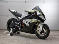 BMW-eRR-Elektro-Motorrad-Supersportler-01