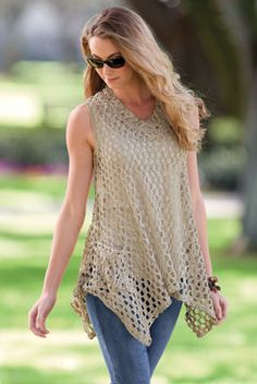 Crochet tunic - This would look great over a plain white tank top.Crochet vest - broken link but love this shape topIt says vest, but I think this is more of a tank top type shirt!Crochet vest--beach cover up? another dead link, but this would be a f Crochet Tunic, Crochet Jacket, Crochet Clothes, Crochet Tops, Crochet Sweaters, Crochet Designs, Crochet Patterns, Crochet Woman, Crochet Fashion