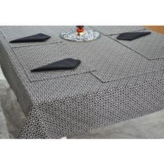 Classic Raqqa printed table cover set #tablecovers #tablecoversonline