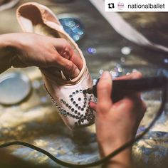 Have you started feeling festive? We love the Swarovski crystal design on these Cinderella Pointe shoes ☃️❄️👯 #Repost @nationalballet with @repostapp ・・・ #DYK it takes over 4,000 crystals and 50 hours to prepare pointe shoes for one run of #CinderellaNBC? 📷 by @dilltea. #pointeshoes #balletshoes #danceshoes #ballet #dance #swarovski