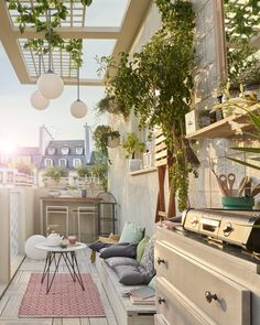 Adore your balcony with 61 top beautiful apartment balcony decorating ideas on a budget 44 Patio Wall, Wood Patio, Pergola Patio, Backyard Landscaping, Landscaping Ideas, Apartment Balcony Decorating, Apartment Balconies, Balcony Bar, Balcony Ideas