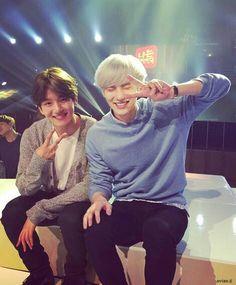 Read ChanBaek from the story Facts EXO by ClemYeon with reads. Quand Baekhyun ne trouve plus son portable, 9 fois sur c'est Ch. Kpop Exo, Baekhyun Chanyeol, Park Chanyeol, Chanbaek Fanart, Exo Chanbaek, Exo Ot12, Yoonmin, K Pop, Exo Couple