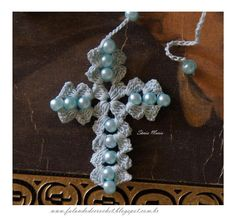 Crochet Prayer Beads Tutorial - Rosario de ganchillo, tutorial....think you only need 2 look at pic 2 work out how 2 make this...very easy