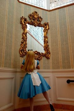 disney Alice In Wonderland Hong Kong Face Character Alicia Wonderland, Alice In Wonderland Aesthetic, Adventures In Wonderland, Alice Cosplay, Disney Cosplay, Alice Costume, Princess Aesthetic, Disney Aesthetic, Book Aesthetic