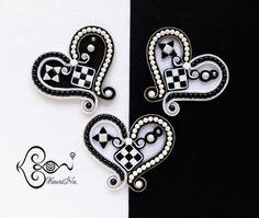 """ソウタシエ・ハートのブローチ Heart Brooch """"Black & White"""" by KaoriNa."""