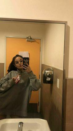 Maggie Lindemann, Ft Tumblr, Tumblr Girls, Girl Photo Poses, Girl Photos, Snapchat Selfies, Alternative Makeup, Selfie Poses, Girls Selfies