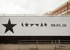 Jonathan Barnbrook on David Bowie cover art David Bowie Covers, Jonathan Barnbrook, Bowie Blackstar, Minimalist Artwork, Font Shop, Music Images, The V&a, Design Museum, Graphic Design Art