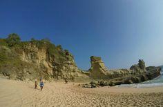 Pantai Klayar. Salah satu terindah yang ada di Pacitan, Jawa Timur