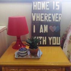 Olha o presente lindo que acabou de chegar aqui em casa! Sou apaixonada pelas plaquinhas da @serafiniando e quase morri quando ela disse que ia me mandar uma de presente! ❤️. E aí, vocês amaram também???  .  Mais detalhes no snapchat  decoracaopravc #decoraçãopravocê #correiodpv