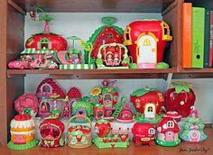 VTG Vintage 2003 Strawberry Shortcake Berry Sweet Home Plastic Toy Playset Strawberry Shortcake House, Strawberry Shortcake Characters, Vintage Strawberry Shortcake Dolls, My Childhood Memories, Childhood Toys, School Memories, Nostalgia, 80s Kids, Retro Toys