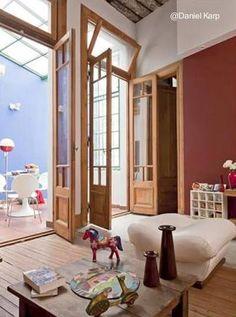 Vivienda de barrio urbano reciclada - Casa chorizo renovada en Buenos Aires