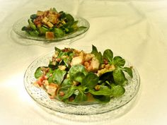 Nüssli(-salat) = Feldsalat = Döchterli-(salat) mit Speck undKracherle