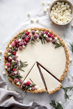 This festive white chocolate cranberry tart is so incredibly smooth and creamy, you're gonna be in heaven. It's decadent filling is so delicious with no baking required.