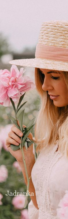 Peonies for Days - Barefoot Blonde by Amber Fillerup Clark Amber Fillerup Clark, Fedora Hat Women, Barefoot Blonde, Fashion Lighting, Rose Dress, Peonies, Beautiful Flowers, Cool Pictures, Feminine