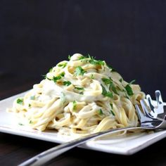 This Vegan Fettuccine Alfredo is rich, creamy, cheesy, and nondairy. You won't believe how quick and easy it is to make this Vegan Fettuccine Alfredo Recipe Fettuccine Alfredo, Vegan Vegetarian, Vegetarian Recipes, Healthy Recipes, Vegan Food, Vegan Meals, Raw Food, Pasta Recipes, Cooking Recipes