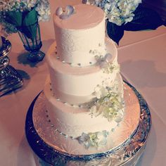 Delicate Hydrangea Wedding Cake. Cake by 2tarts Bakery / New Braunfels, Texas / www.2tarts.com