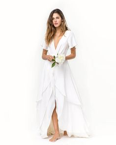V Neck Short Sleeve White Tiered Long Chiffon Vintage Wedding Dress with Slit