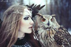 embla with maryah. Art Photography Portrait, Beauty Photography, Owl Pet, Gothic Beauty, Faeries, Fairy Tales, Creatures, Horses, Fantasy