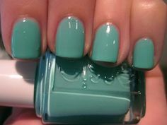 Turquoise Caicos by Essie is my new favourite summer pedi colour! This matches my Tiffany Co. bags and pouches exactly! how-this-lamb-stays-cashmere Essie Nail Polish, Nail Polish Colors, Gel Polish, Cute Nails, Pretty Nails, Hair And Nails, My Nails, Glitter Nails, Essie Colors