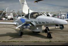 Diamond DA-42 M Twin Star aircraft picture